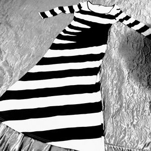 Kivenst High Fashion Black & White Long Dress